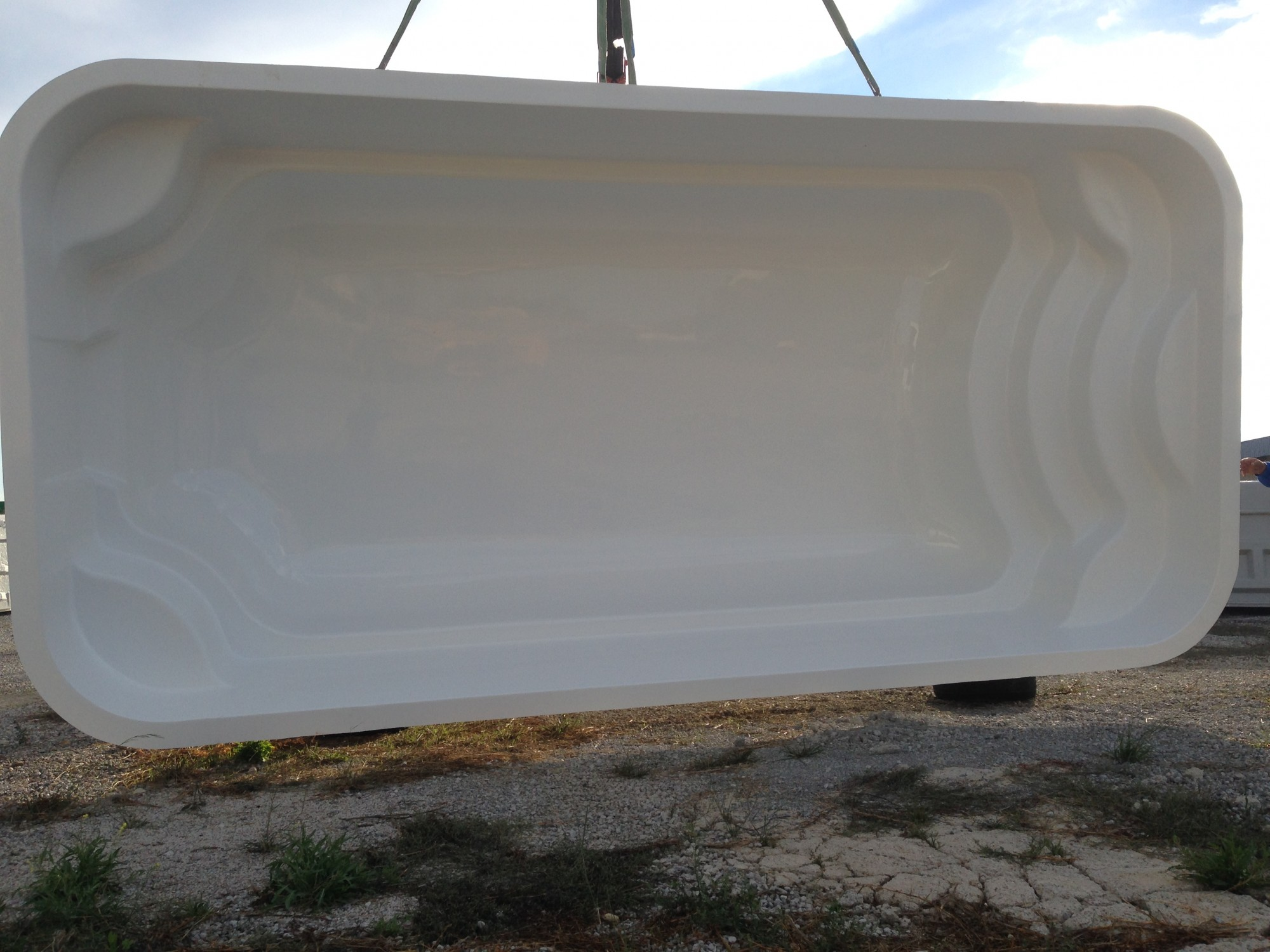 Piscine coque polyester mod le declic 600 installation for Piscine coque petit modele